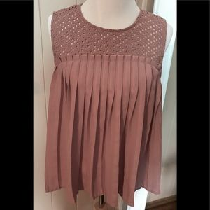 Maurices Pleated Front Top Size XL Buttons in Back